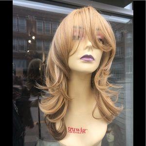 Accessories - Blonde wig wispy Layers